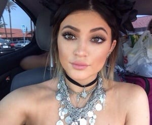 After seeing Kylie's looks so far, I can safely say, I am off to the shops to buy my first choker, and bulk chunky necklaces.