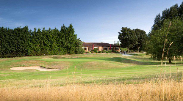 18th-green-and-clubhouse