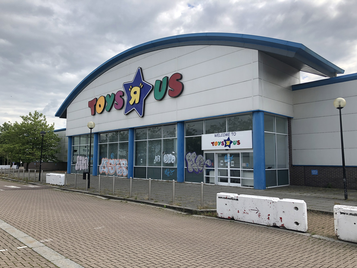 Independent toyshop Prank Gamers has announced they are reopening the former Milton Keynes Toys R Us store for the Easter Weekend.